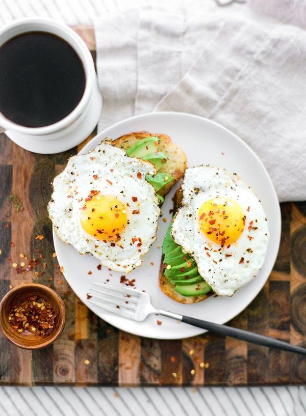 Eggs coffee toast
